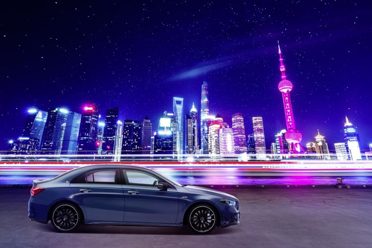 Der Neue Mercedes Amg A 35 L 4matic: Mehr Raum Für Alle Fälle – Exklusiv Für Den Chinesischen Markt The New Mercedes Amg A 35 L 4matic: More Space For All Occasions – Exclusively For The Chinese Market