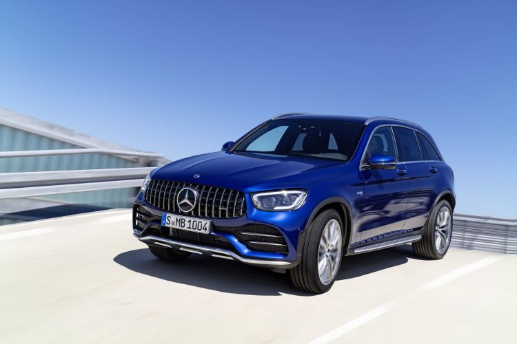 Die Neuen Mercedes Amg Glc 43 4matic Modelle: Agiler Und Markanter: Start Frei Für Die Ungleichen Zwillinge The New Mercedes Amg Glc 43 4matic Models: More Agile And More Distinctive: Chocks Away For The Dynamic Duo