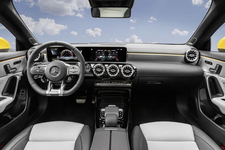 Mercedes Amg Cla 35 4matic Shooting Brake (2019) Mercedes Amg Cla 35 4matic Shooting Brake (2019)