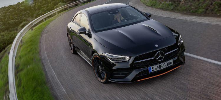 Mercedes Cla Coupe 2018 Negro Exterior Frontal Movimiento