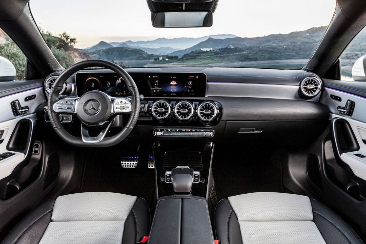 Mercedes Cla Shooting Brake 2019 Interior 06