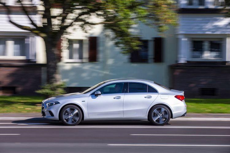 Mercedes Clase A Hibrido Enchufable 2020 35