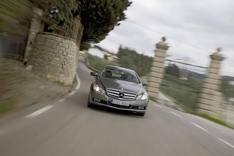 Mercedes Clase E Coupé E 200 CGI BE y E 220 CDI BE