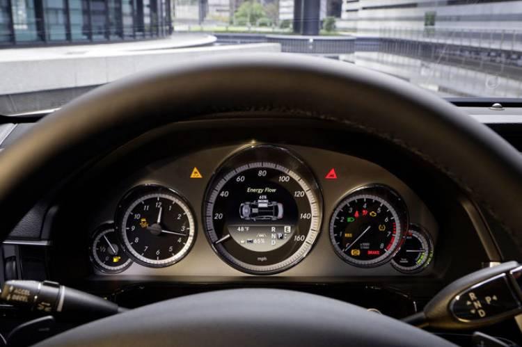 Mercedes E 300 BlueTEC HYBRID y Mercedes E 400 Hybrid