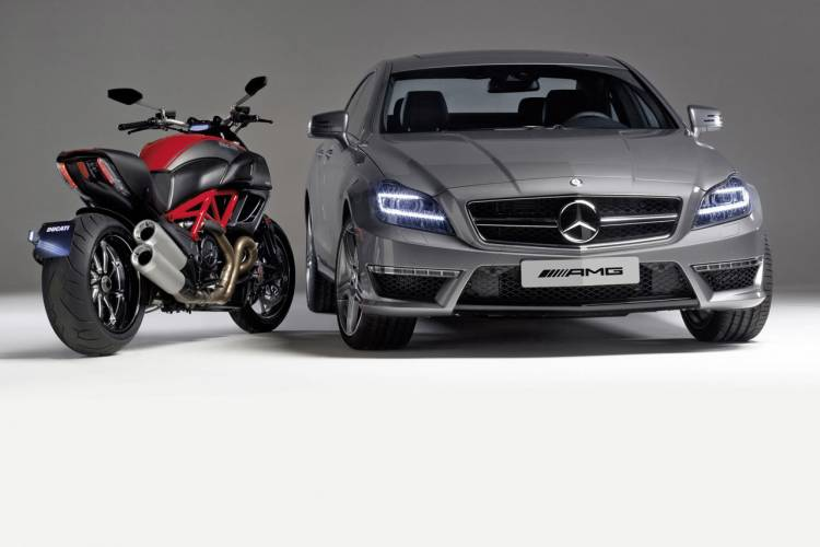 mercedes-cls63amg-ducati-diavel-dm-1