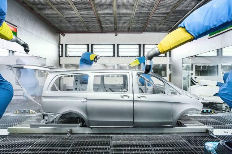 Mercedes Crisis Diesel Paros Fabrica Vitoria 01