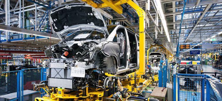 Mercedes Crisis Diesel Paros Fabrica Vitoria 02