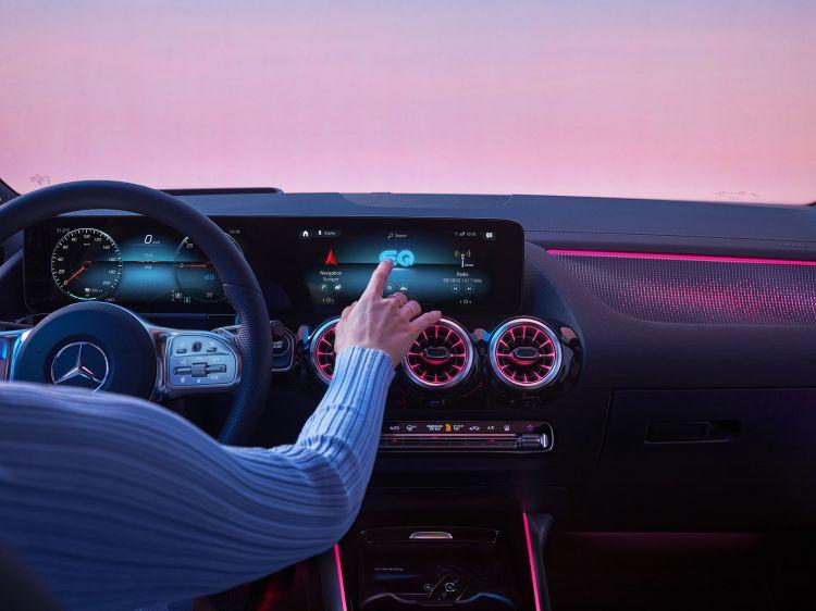 Mercedes Eqa 2021 Exterior 10