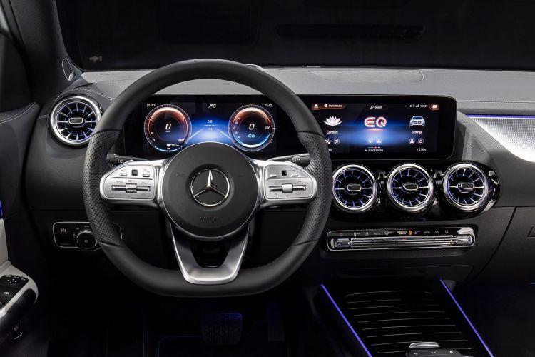 Mercedes Eqa 250 2021 Interior Volante 02
