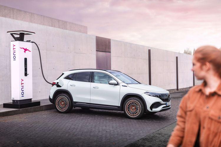 Mercedes Eqa Movimiento 2021 37