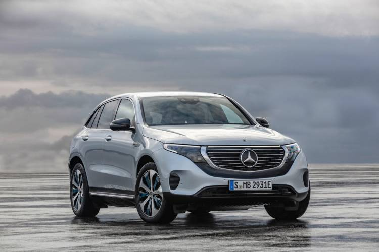 Der Neue Mercedes Benz Eqc: Der Mercedes Benz Unter Den Elektrofahrzeugen The New Mercedes Benz Eqc: The Mercedes Benz Among Electric Vehicles