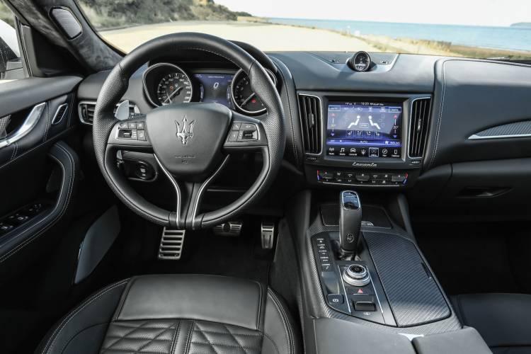 Mercedes Levante interior
