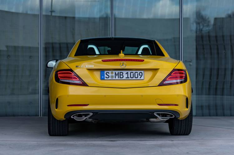 Mercedes Slc 2019 Final Edition Amarillo Exterior 01