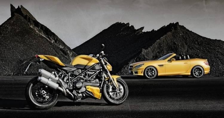 Mercedes SLK 55 AMG y Ducati Streetfighter 848