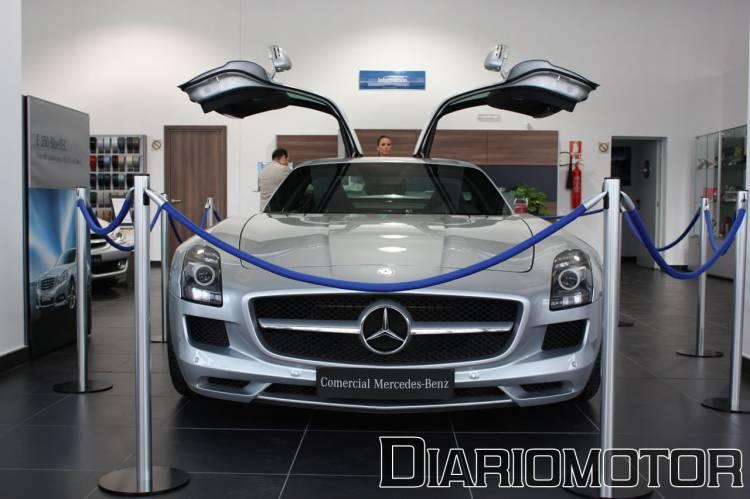 Mercedes SLS AMG en el concesionario