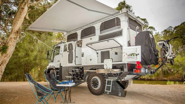 Mercedes Unimog Earthcruiser Camper 0819 002