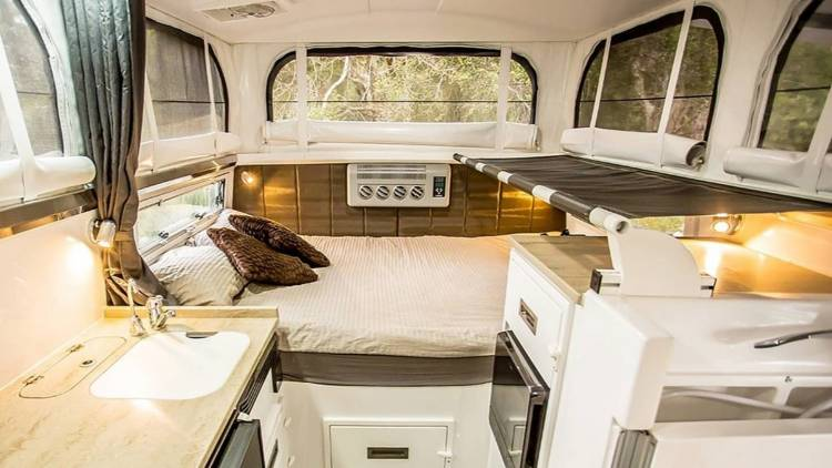 Mercedes Unimog Earthcruiser Camper 0819 014