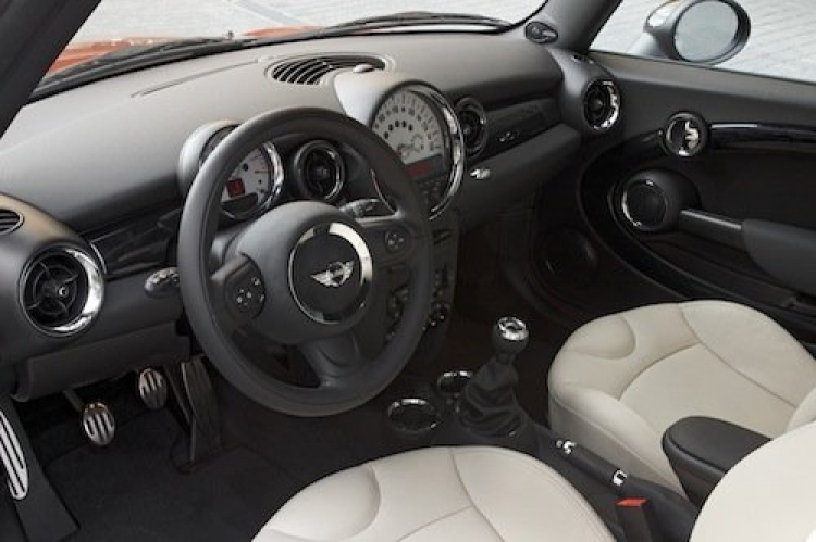 Mini Cooper S 2011, interior