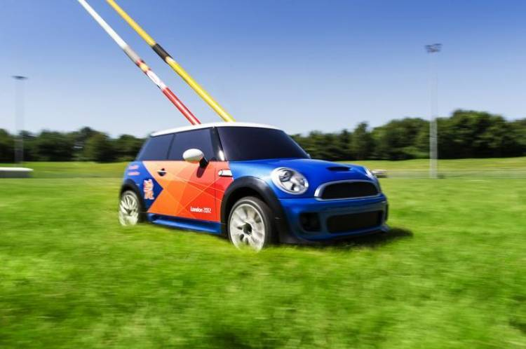El Mini más pequeño del mundo es eléctrico y se usa en los Juegos Olímpicos