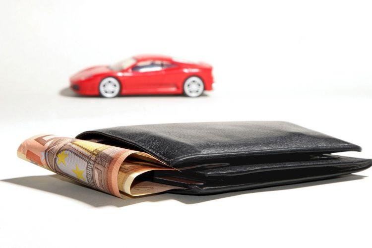 Mitos Ahorro Conduccion Eficiente Coche Dinero Cartera