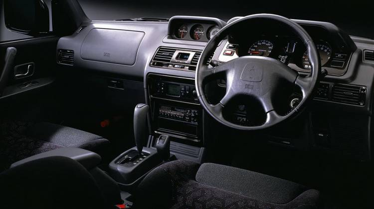 Mitsubishi Pajero Evolution 0318 004
