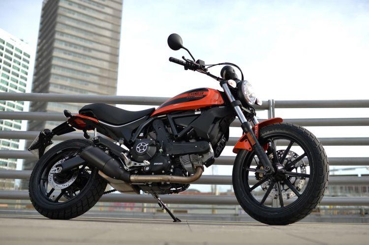 Moto Acera Ducati Scrambler