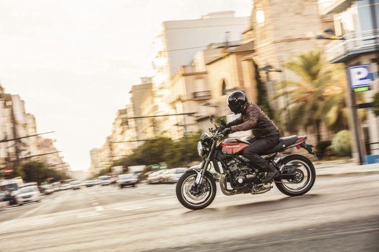 Moto Acera Kawasaki Ciudad Z900