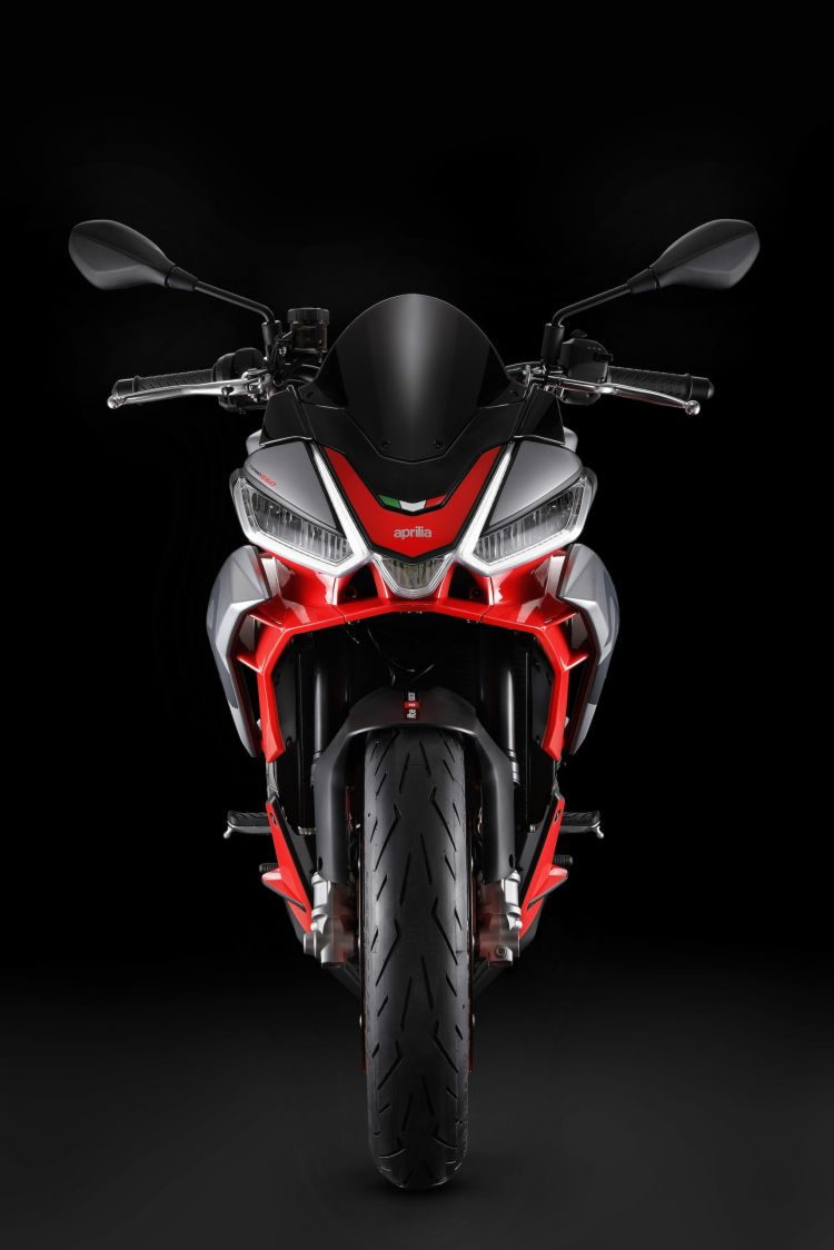Moto Aprilia Tuono 660 15