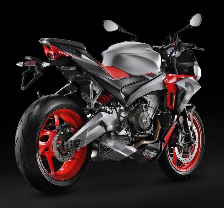 Moto Aprilia Tuono 660 16