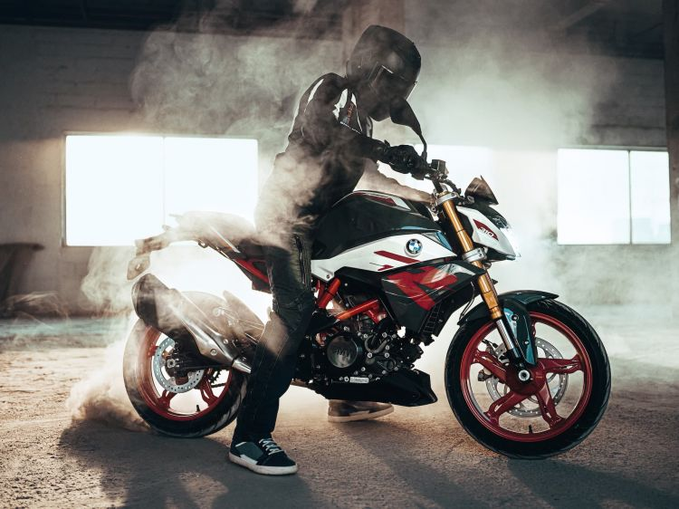 Moto Bmw G 310 R Humo