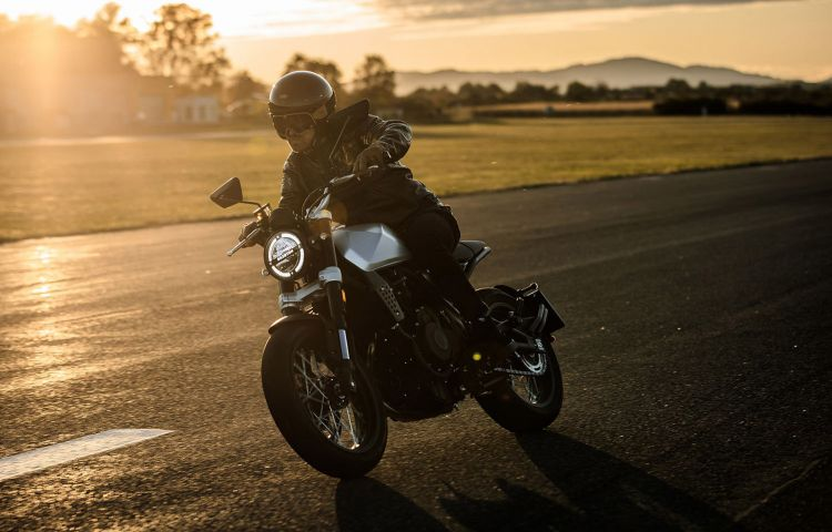 Moto Brixton Crossfire 500 Oferta 1