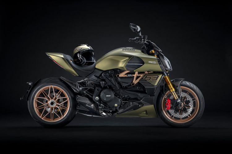 Moto Ducati Diavel Lamborghini 10