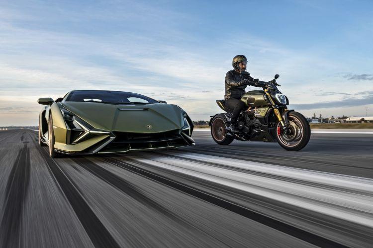 Moto Ducati Diavel Lamborghini 61
