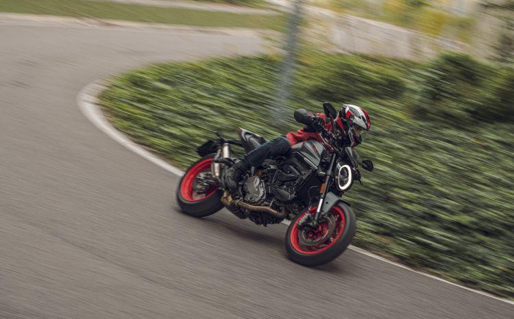 Moto Ducati Monster 2021 Plus62