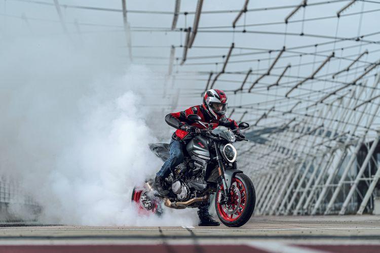 Moto Ducati Monster 2021 Plus88