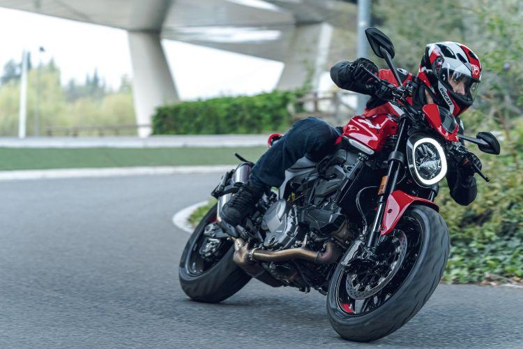Moto Ducati Monster 2021 Plus89