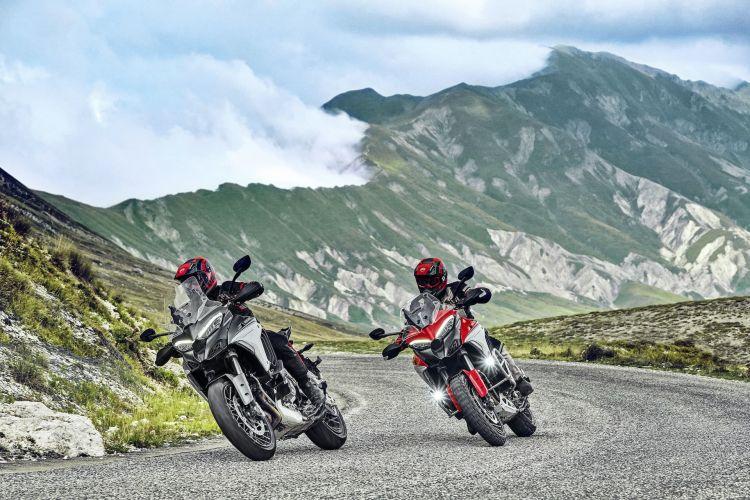 Moto Ducati Multistrad V4 Action