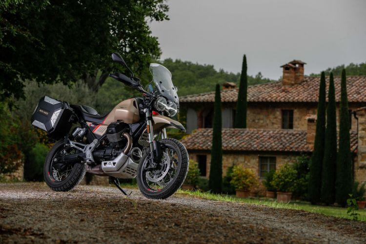 Moto Guzzi V85 Tt Travel Exterior