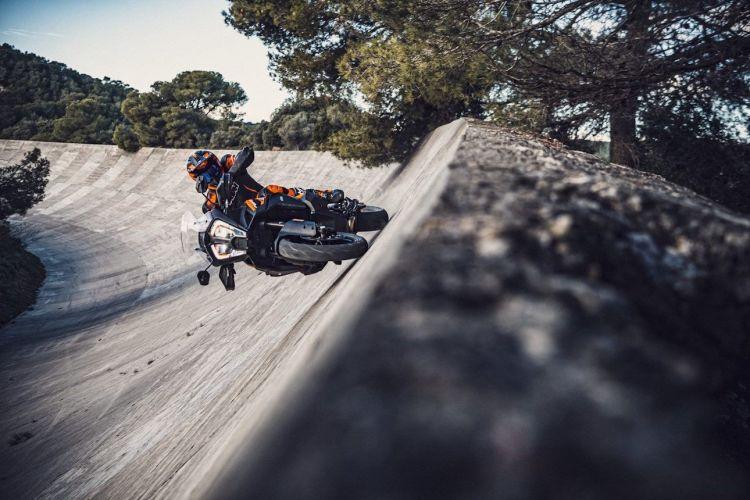 Moto Ktm 1290 Super Adventure S 2021 2