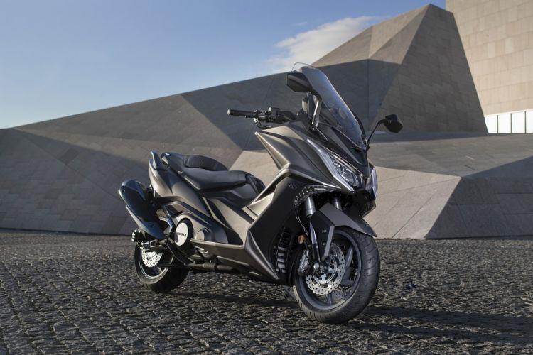 Moto Kymco Ak 550