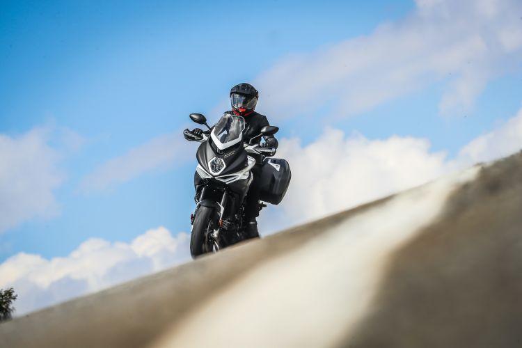 Moto Mv Agusta Turismo Veloce Curva
