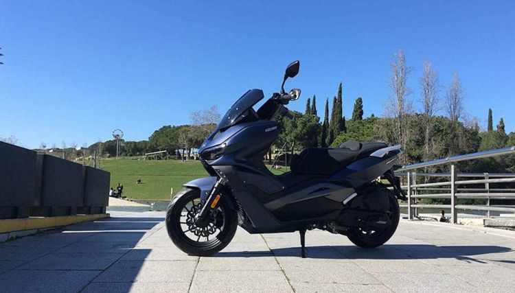 Moto Scooter Keeway Vieste 1252