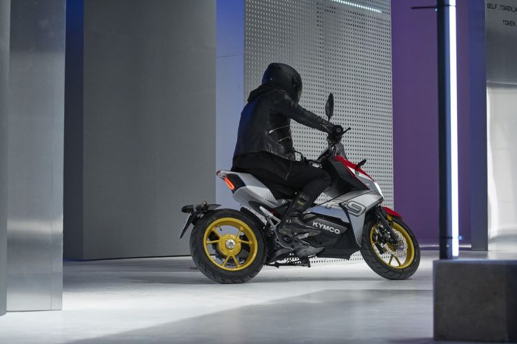 Moto Scooter Kymco F9 Accion