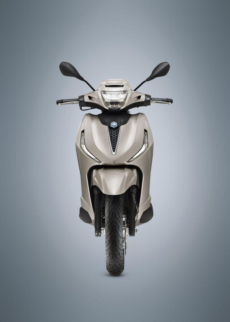 Moto Scooter Piaggio Beverly 300 Hpe 4
