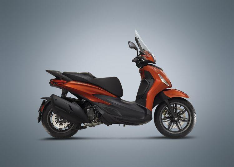 Moto Scooter Piaggio Beverly 400 S4
