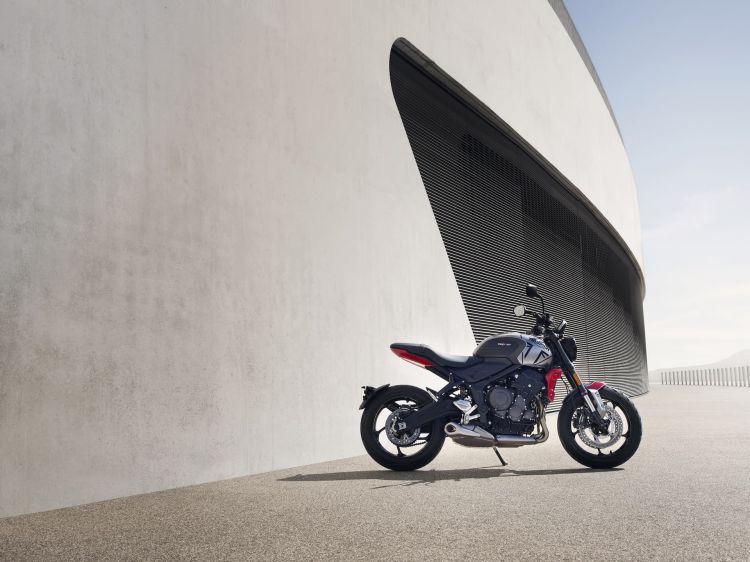 Moto Triumph Trident Estatico3