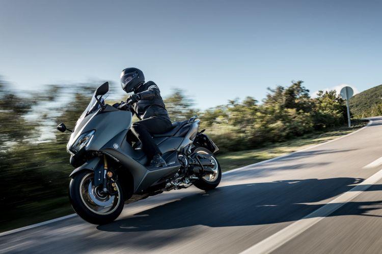 Moto Yamaha Tmax 560 3