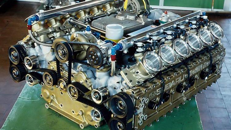 Motor Subaru F1 0619 01