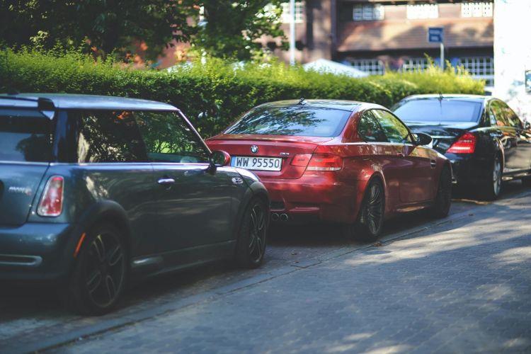 Multa Aparcamiento Estando Dentro Mini Bmw M3 Mercedes Clase S