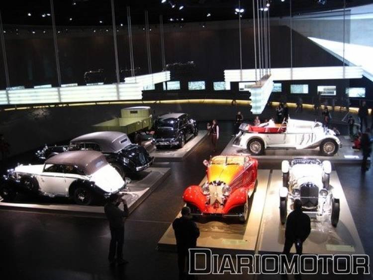 Visita al Museo Mercedes en Stuttgart